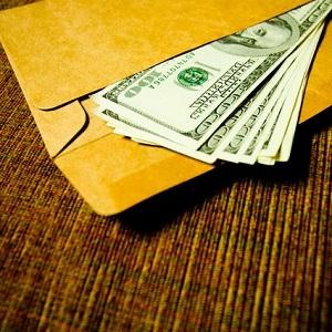 Kaip ir kada dovanoti jauniesiems pinigus?
